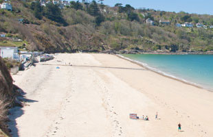 View lifeguarded beaches in Cornwall