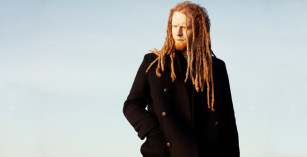 newton faulkner lusty glaze beach sundowner sessions cornwall