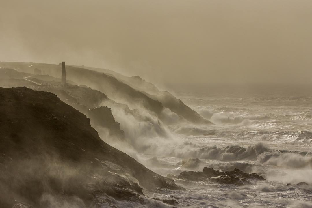 The cornish coast getting hit by huge waves of storm imogen