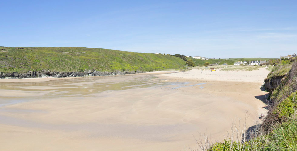 Porthcothan beach near padstow dog friendly beaches in cornwall