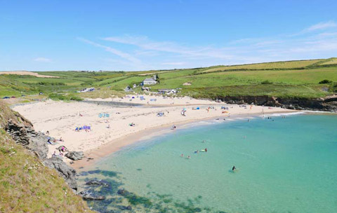 cornwall-beach-poldhu-lizard-peninsula